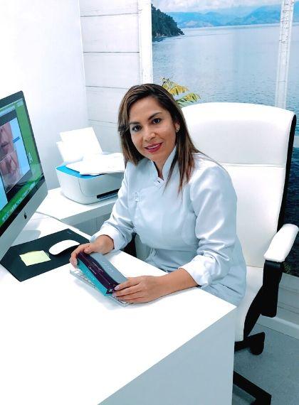Equipo-Dra-Sheyla-Esprella-Clinic-Mallorca-MED