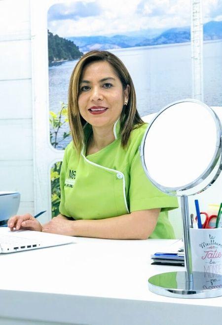 Dra-Sheyla-Esprella-Ácido-Hialurónico-Clinic-Mallorca-MED