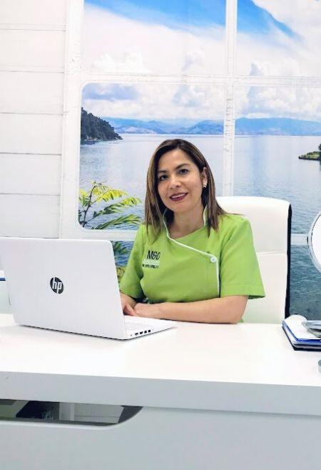 Consulta-Hilos-Tensores-Medicina-Estética-Facial-Clinic-Mallorca-MED
